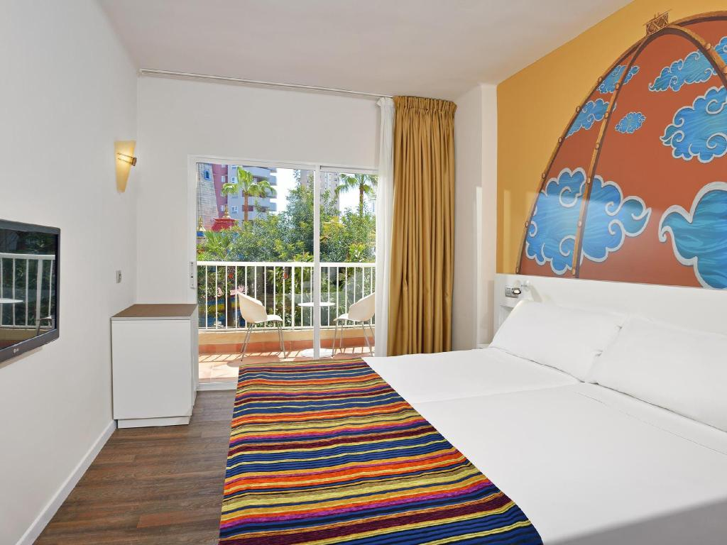Sol Katmandu Park Resort Hotel Majorca Deals Photos Reviews