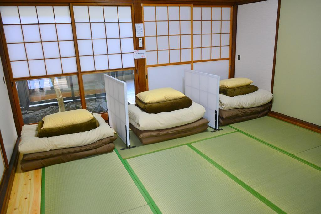 4床男生宿舍(1人床位) (1 Person in 4-Bed Dormitory - Male Only)