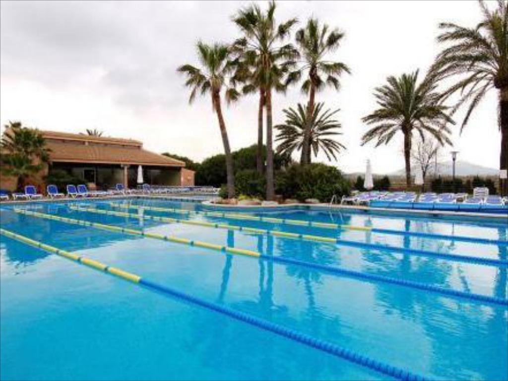 Portblue club pollentia resort spa in majorca room - Club mahindra kandaghat swimming pool ...