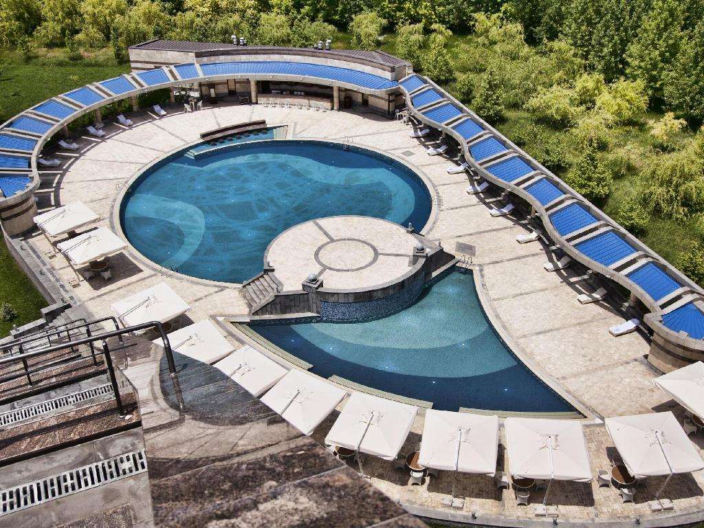 best price on multi grand hotel in arrinj + reviews!