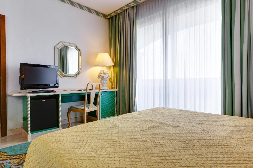 Single Room - Guestroom Aris Garden Hotel