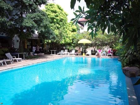 Swimming pool View Talay Place Hotel