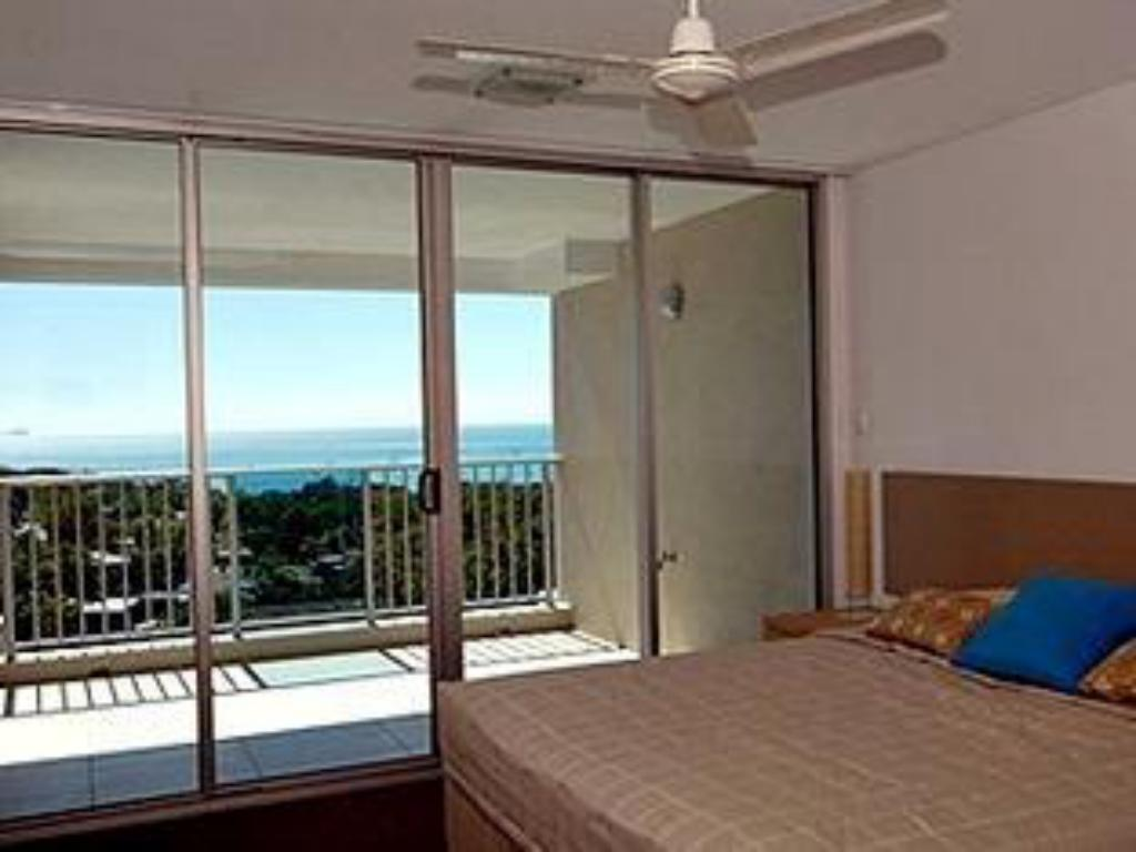 Family Apartment - Bed Azure Sea Resort Whitsundays