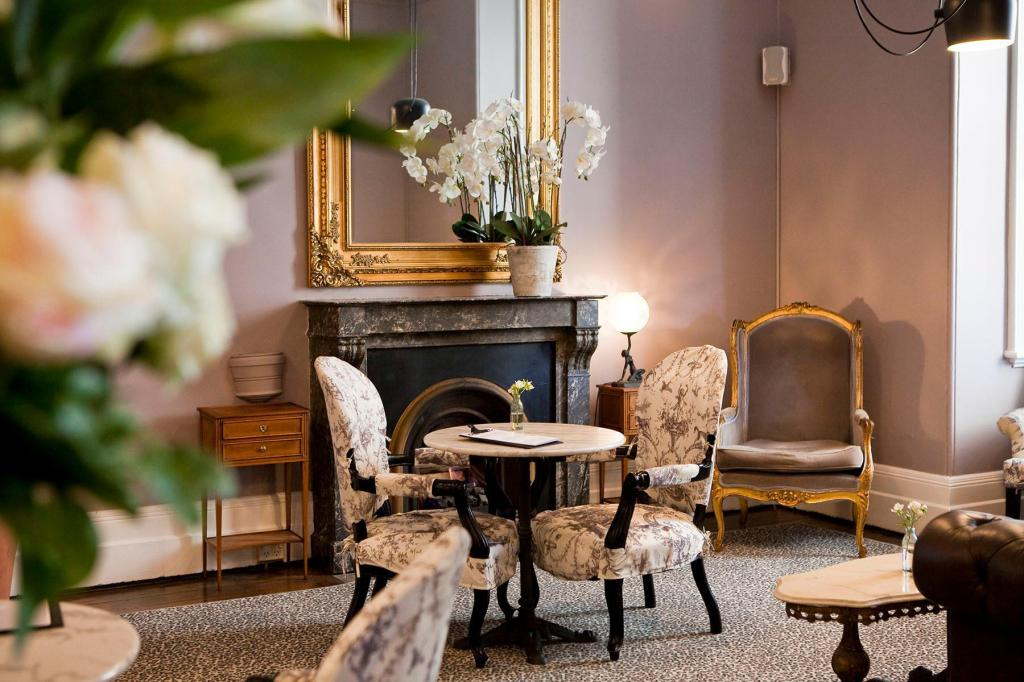 Reception Hughenden Boutique Hotel