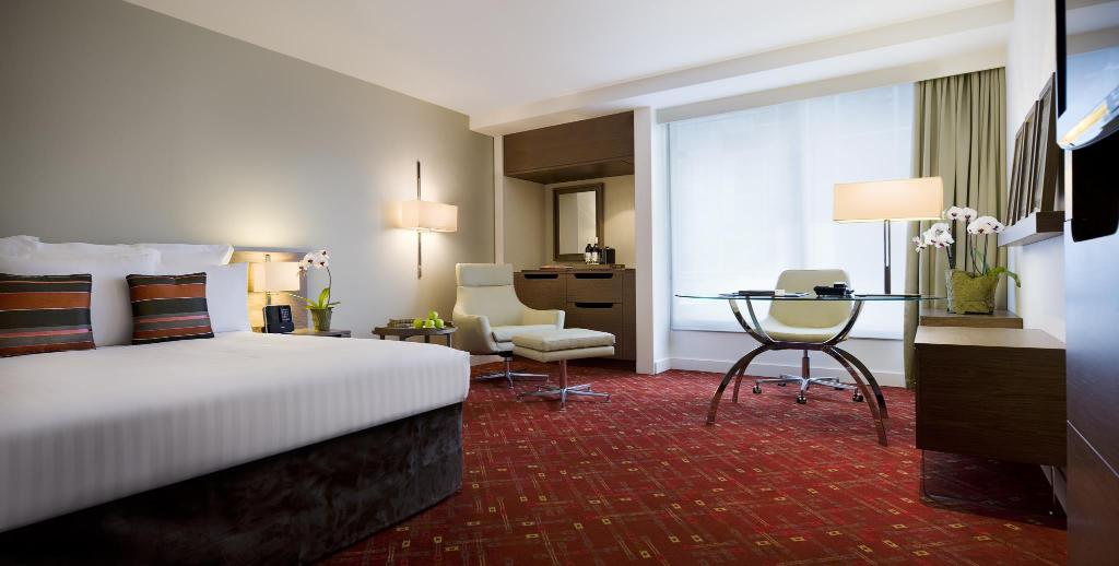 Executive Level, Executive lounge access, Guest room - Guestroom Melbourne Marriott Hotel