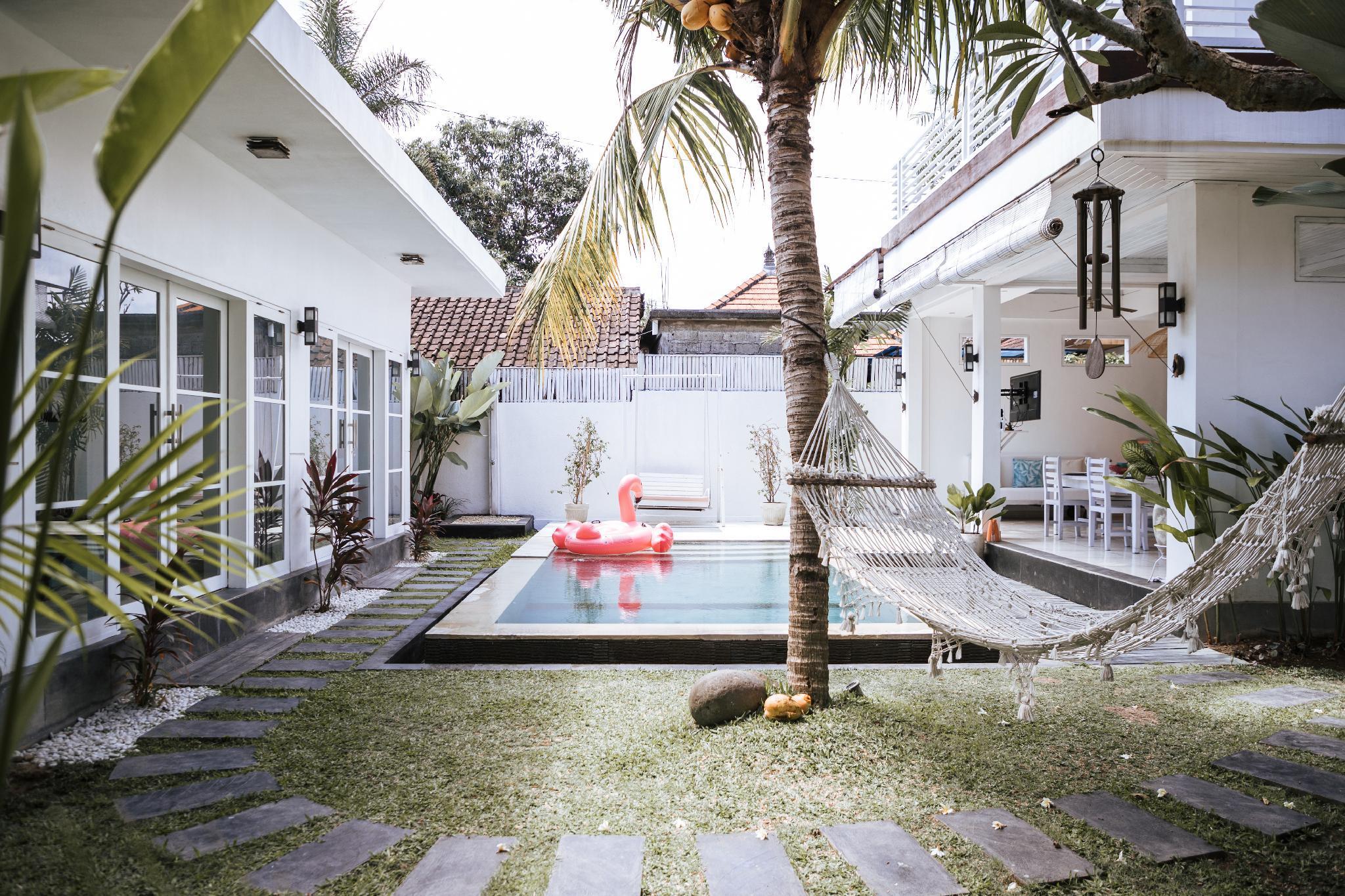 300 m² dengan 3 kamar tidur dan 3 kamar mandi pribadi di