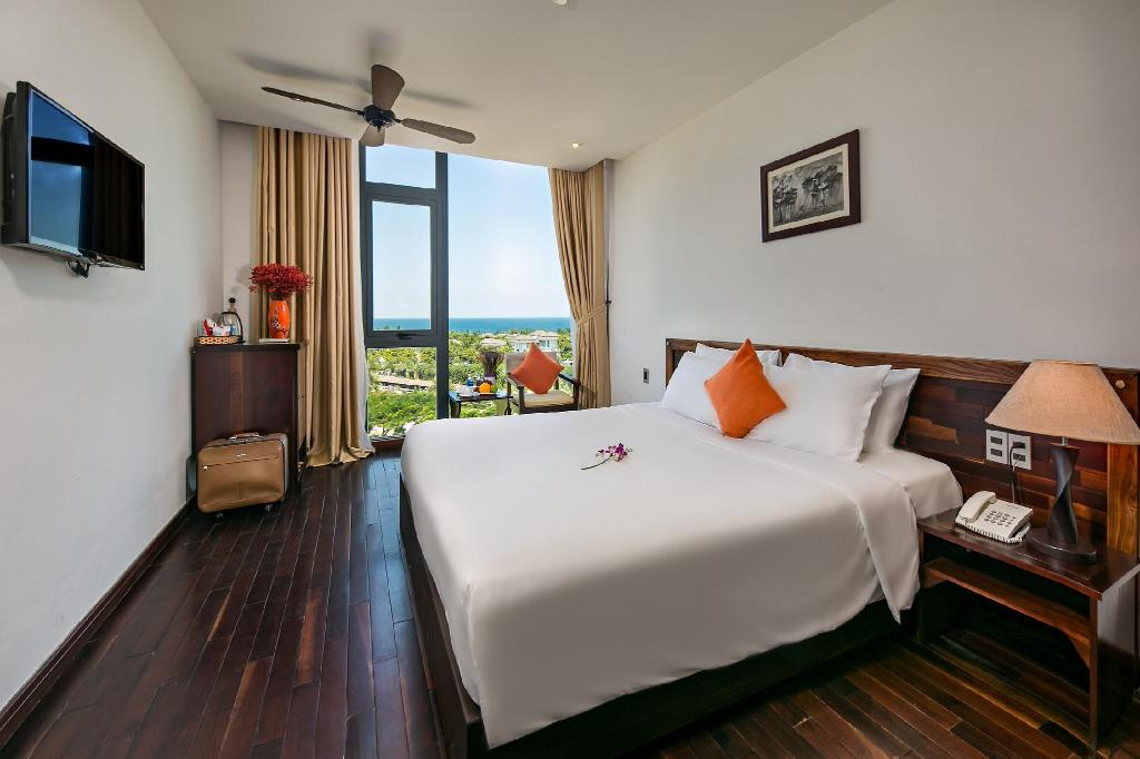 Sea Flower Hotel 3* Đà Nẵng, Gần Biển, Gồm Bữa Sáng, Có Hồ Bơi