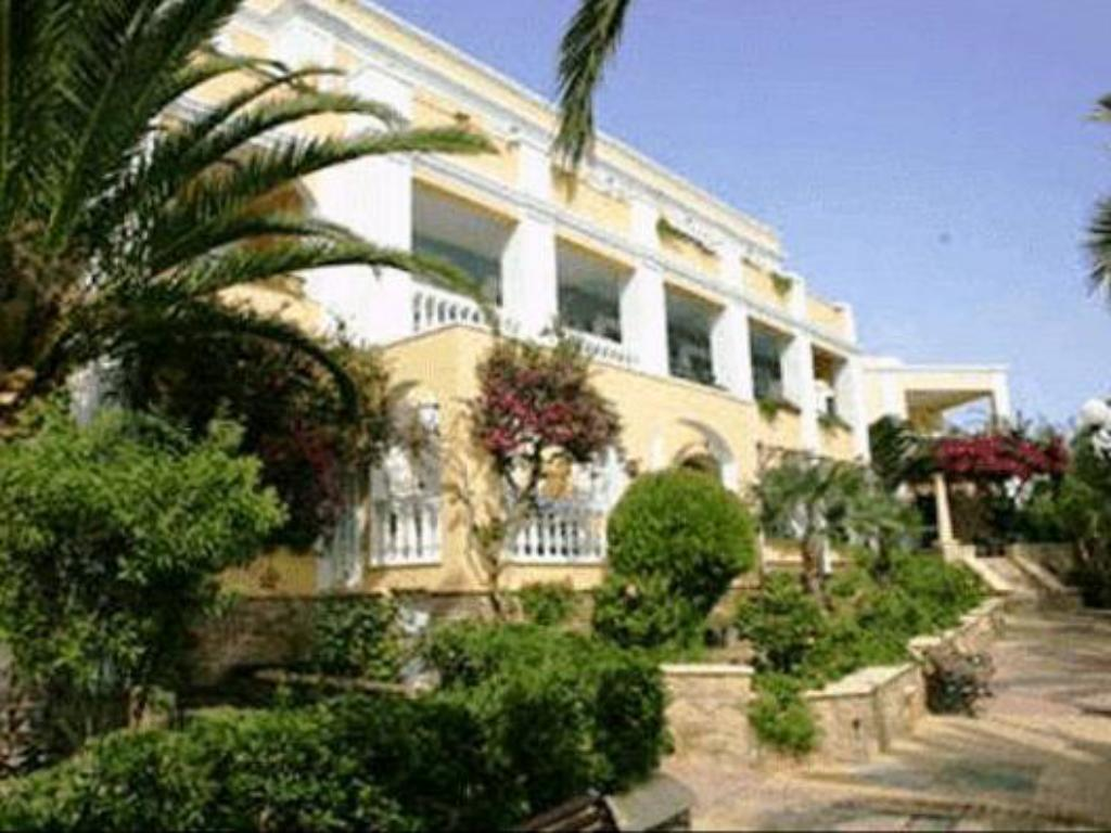 More about Crithoni's Paradise Hotel