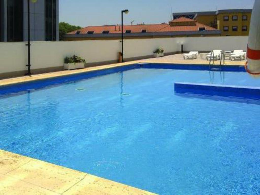 Vip executive zurique hotel in lisbon room deals photos - Hotels in lisbon portugal with swimming pool ...