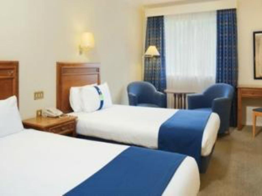 2 Double Beds Sofa Bed Executive Non-Smoking - 床舖 梅德斯通 - 七橡樹假日飯店 (Holiday Inn Maidstone-Sevenoaks)