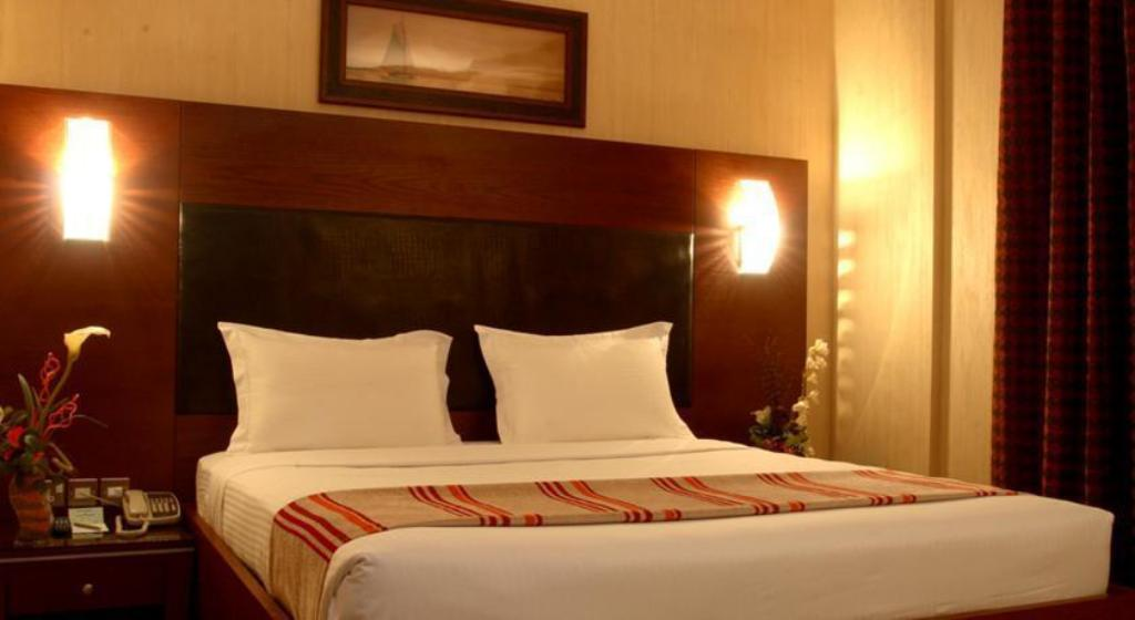 Executive Double Room - Bed Grand Central Hotel