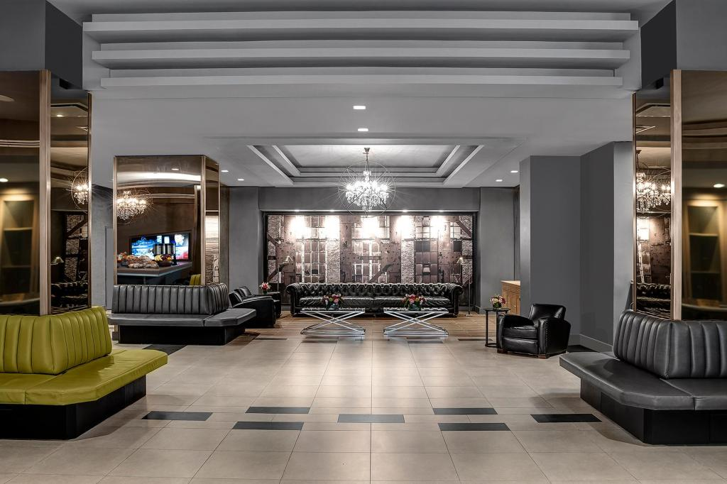 Lobby The Manhattan Hotel at Times Square