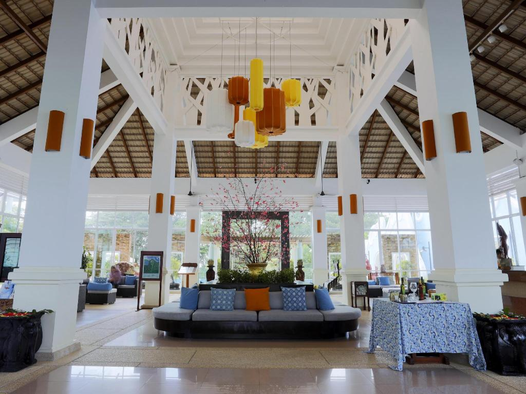 Lobby Independence Hotel Resort & Spa