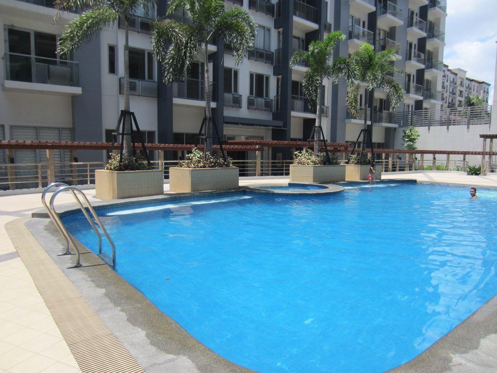 Best Price On Palm Tree Genlex Condominium In Manila Reviews