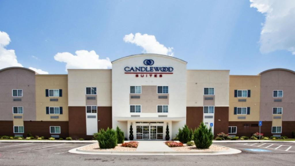 Car Dealerships Erie Pa >> Candlewood Suites Erie In Erie Pa Room Deals Photos