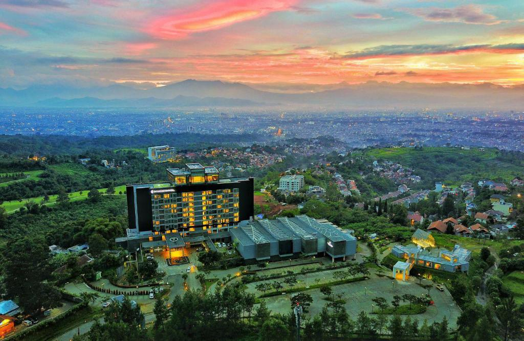More about InterContinental Bandung Dago Pakar