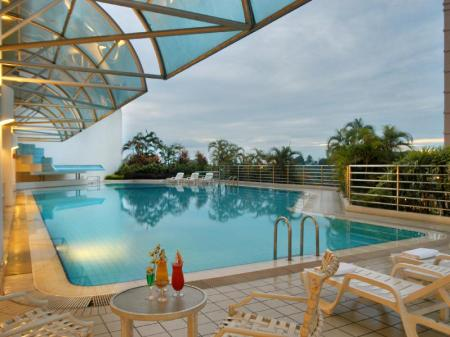 Swimming pool Puteri Wing - Riverside Majestic Hotel