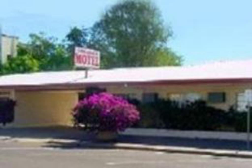 More about Longreach Motor Inn