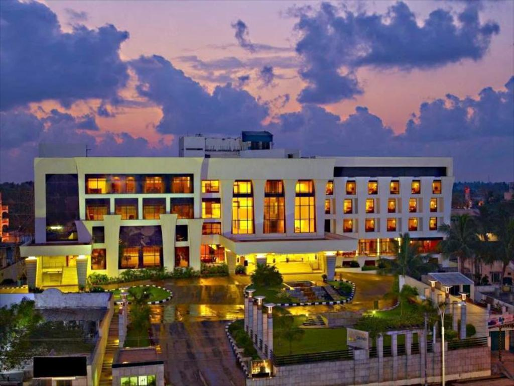 The Sunway Manor, Pondicherry, India - Photos, Room Rates