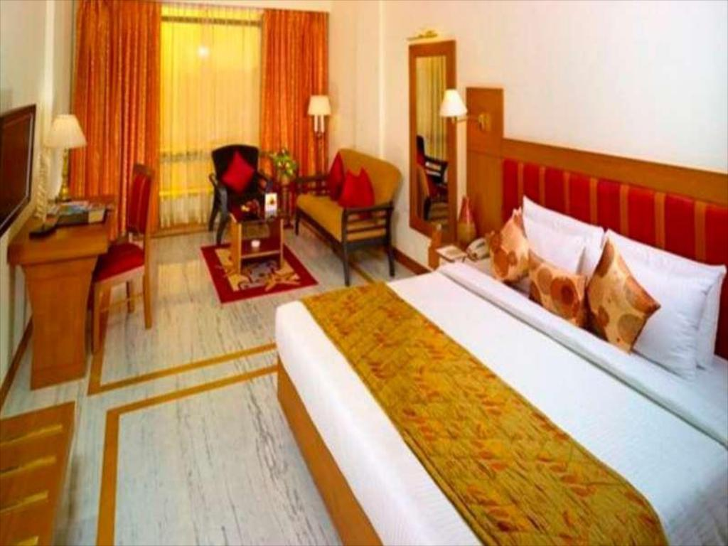 5b7aee045 The Sunway Manor in Pondicherry - Room Deals, Photos & Reviews