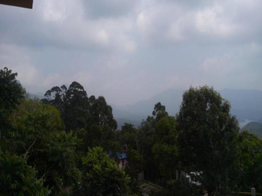Изглед Munnar Clouds Hotel