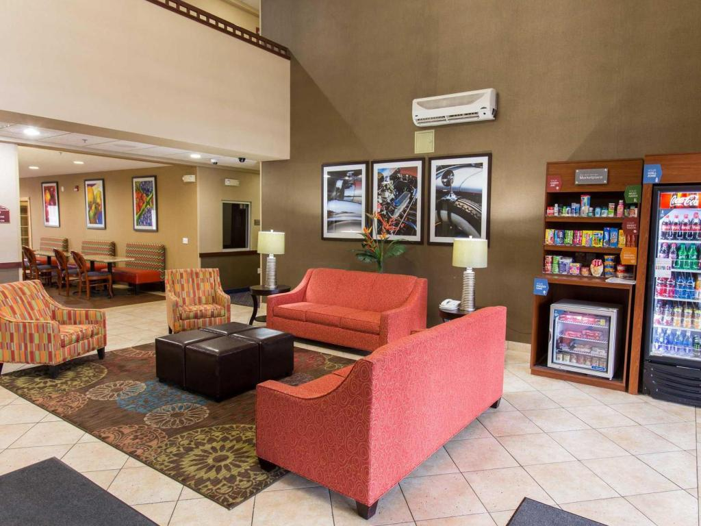 Lobby Comfort Suites Southfield