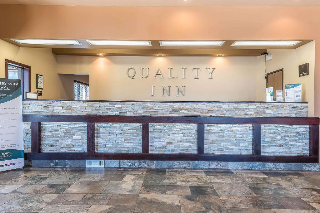 Lobi Quality Inn