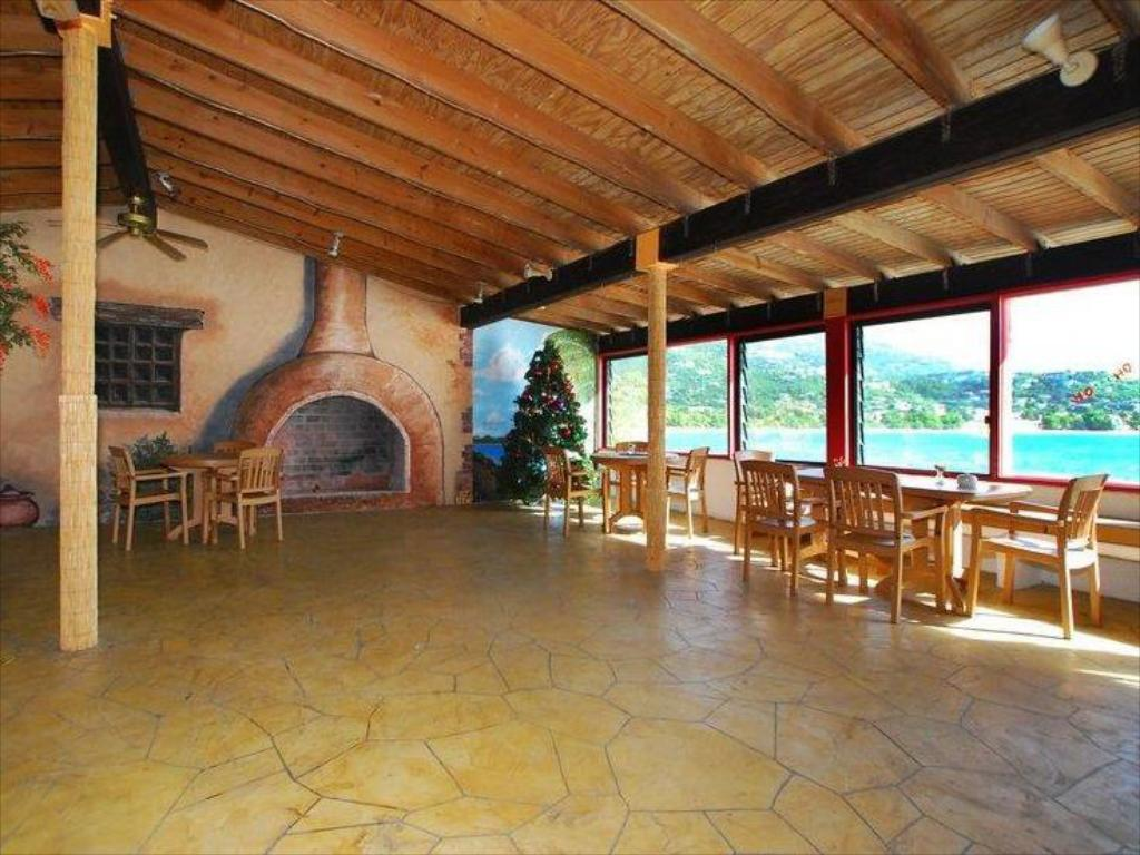 Interior View Best Western Carib Beach Resort