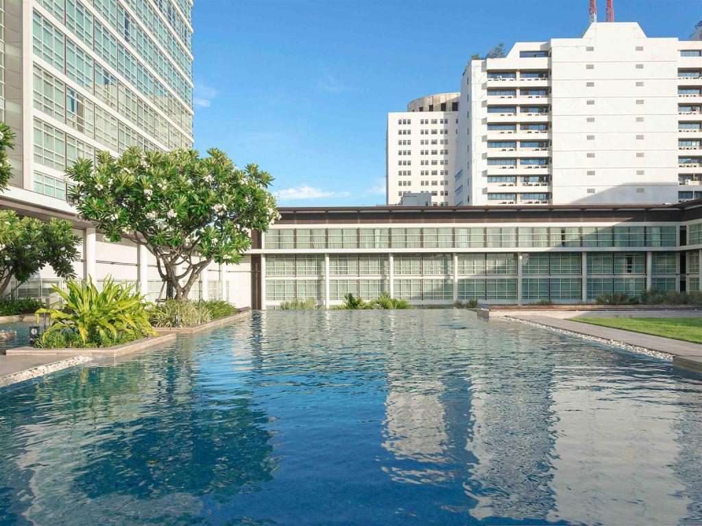 Swimming pool [outdoor] Pullman Bangkok King Power Hotel