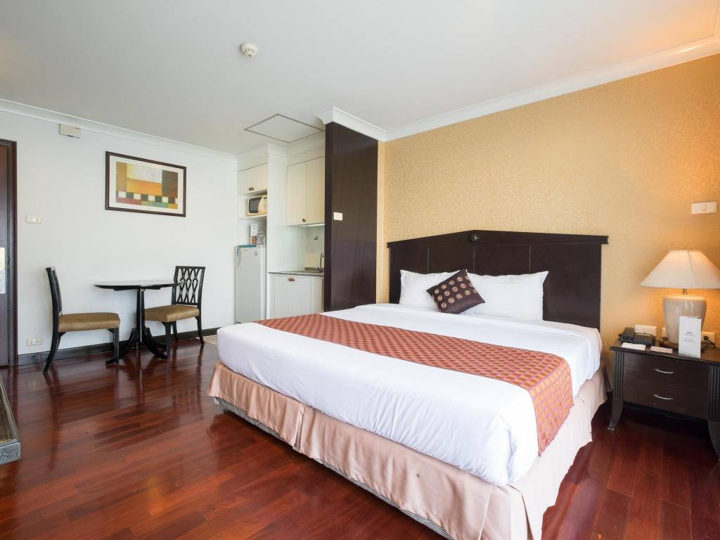Superior Studio with Balcony - Bed Admiral Suites Bangkok by Compass Hospitality