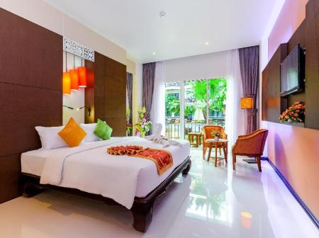 Grand Deluxe Double or Twin Room with Pool View Nipa Resort