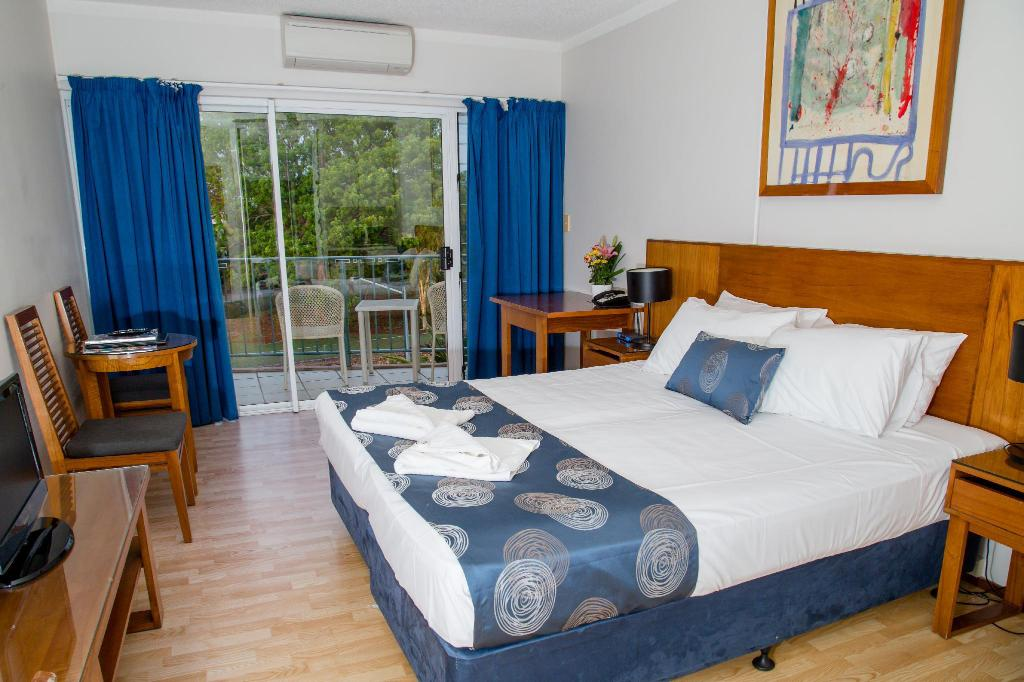 Hotel Room - Guestroom Cullen Bay Resorts By Vivo