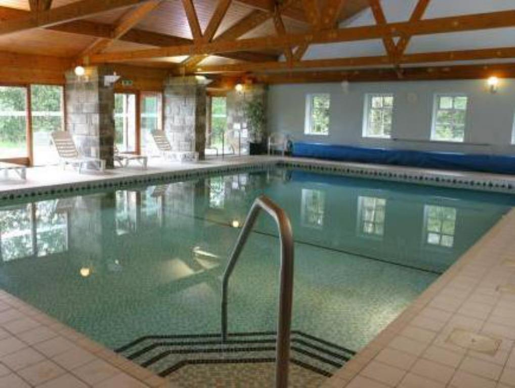 Chevin country park hotel spa in leeds room deals photos reviews for Leeds international swimming pool