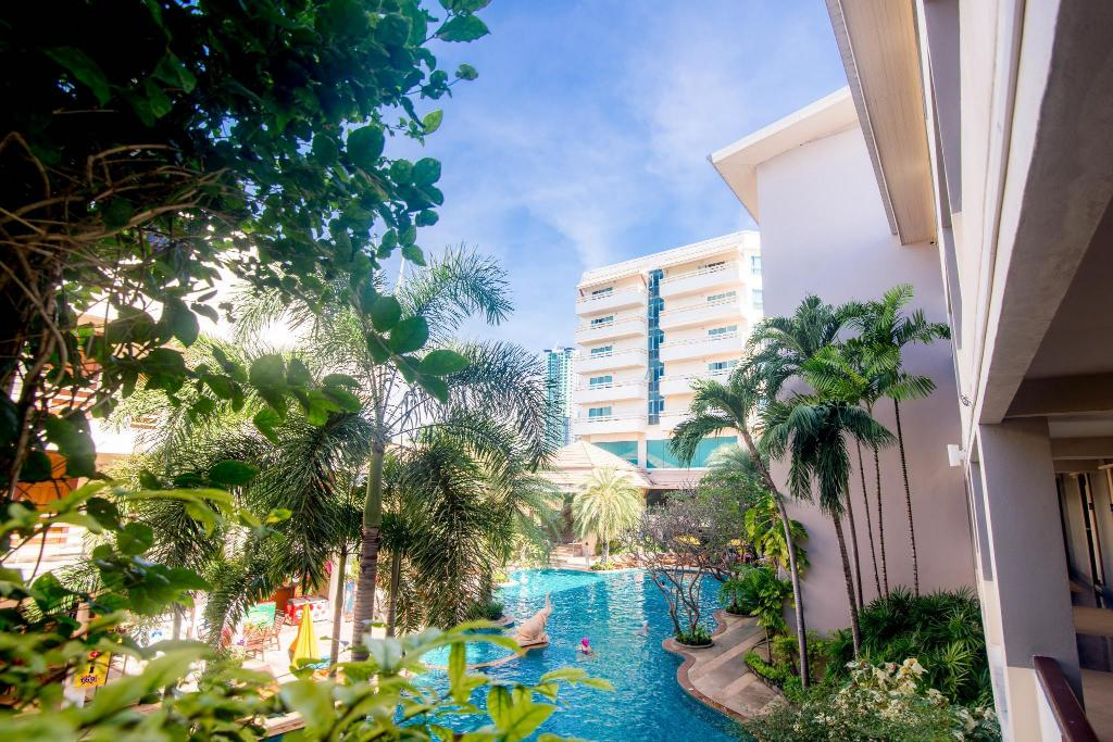 piscină [în aer liber] Sea Breeze Jomtien Resort