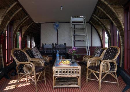 Interior view Soma Houseboat