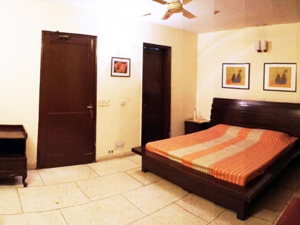 Standard Double Room Woodpecker 3 BHK Service Apartments