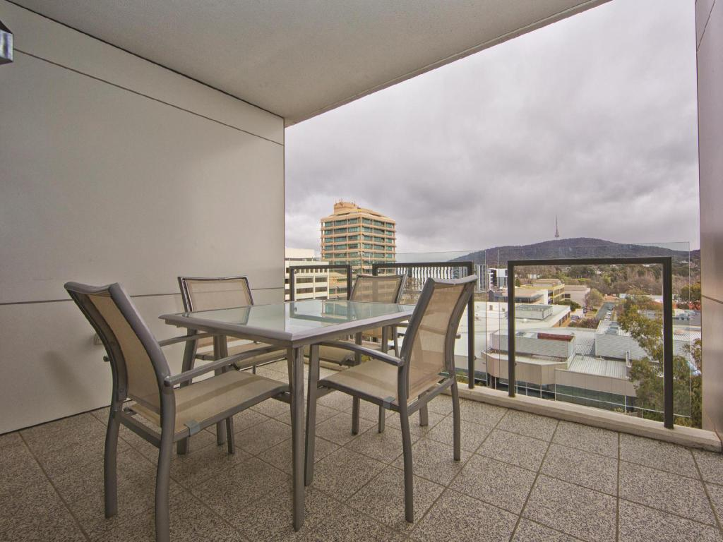 Balcony/terrace Accommodate Canberra - The Avenue