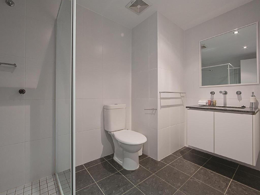 Bathroom Accommodate Canberra - The Avenue
