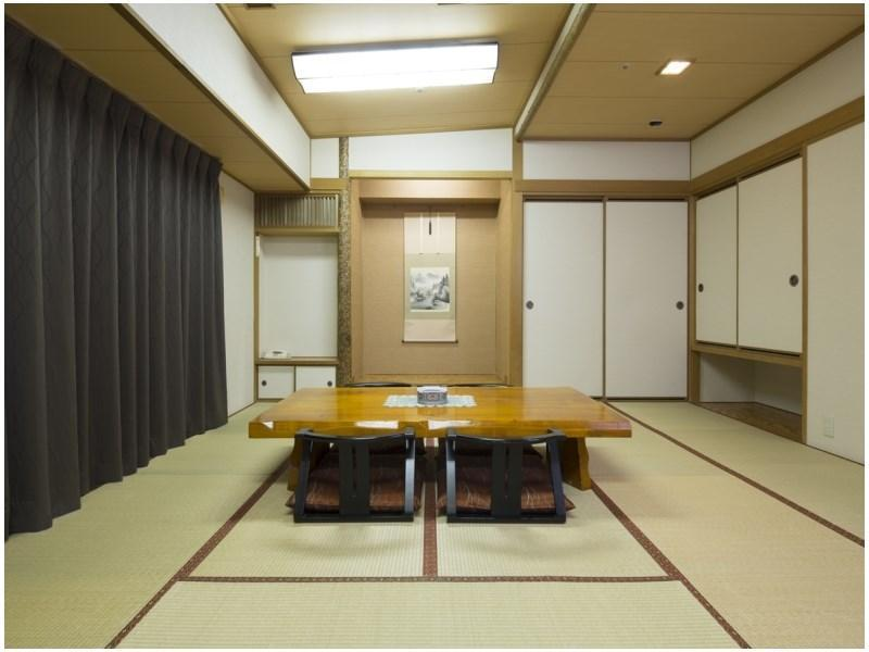 和式房+溫泉室內風呂 (Japanese-style Room with Indoor Hot Spring Bath)