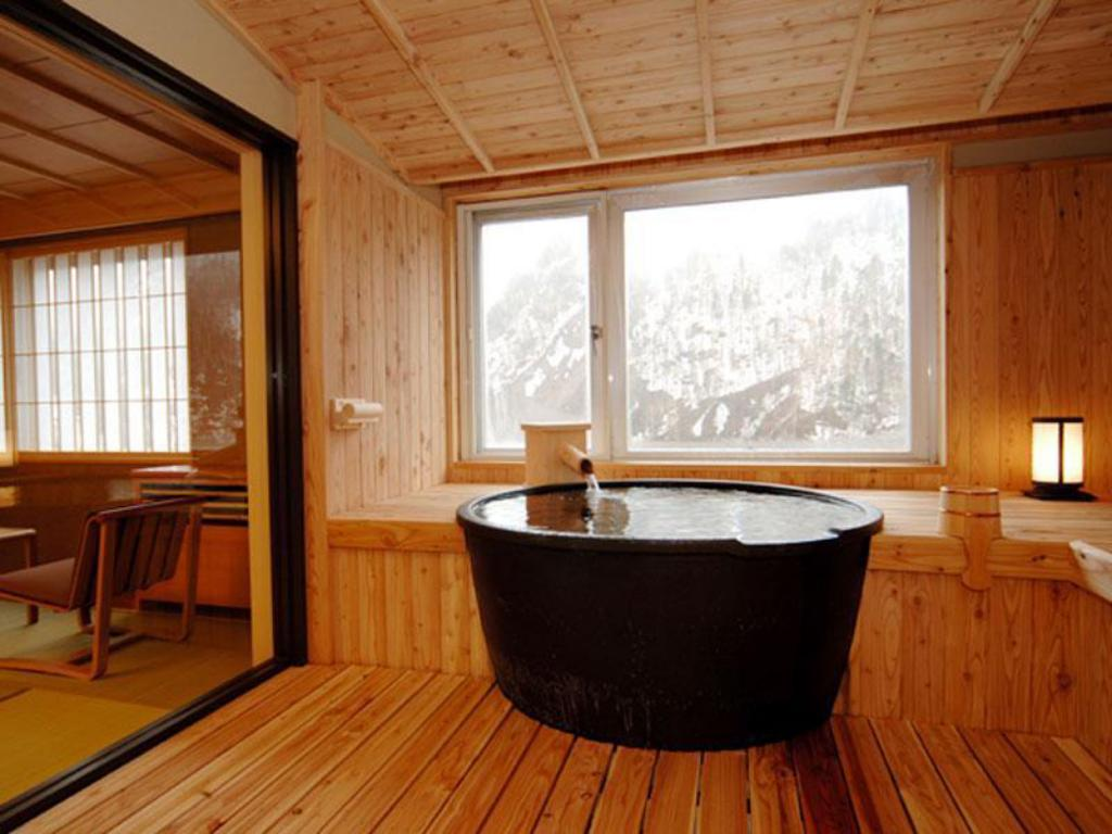 Special Room with Scenic View Open-air Bath (Waboyukihana Type, Special Floor, Upper Floor) - Guestroom