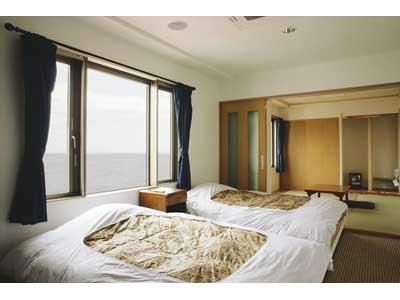 Japanese/Western-style Room with Rock Bath (Japanese/Western-style Room (Twin Room + Japanese-style Room, New Building))