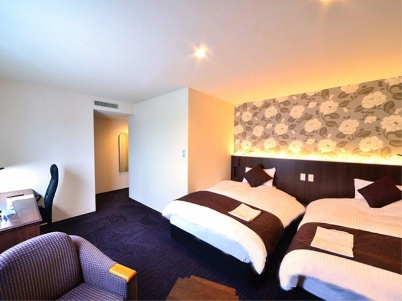 Superior Twin Room (Refurbished Floor)