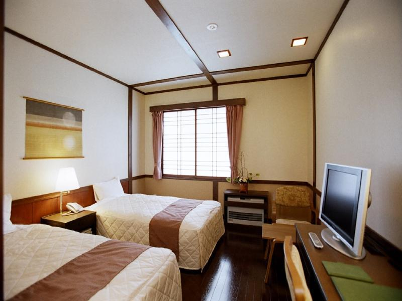 新館 洋室 喫煙 湖側 (Standard Twin Room (Kagaribi-no-To Wing) *No bath in room)