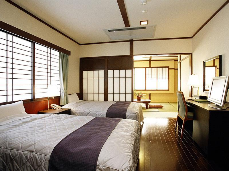 (新館)<川・街側>和洋室 (New Building Japanese Western Style Room)
