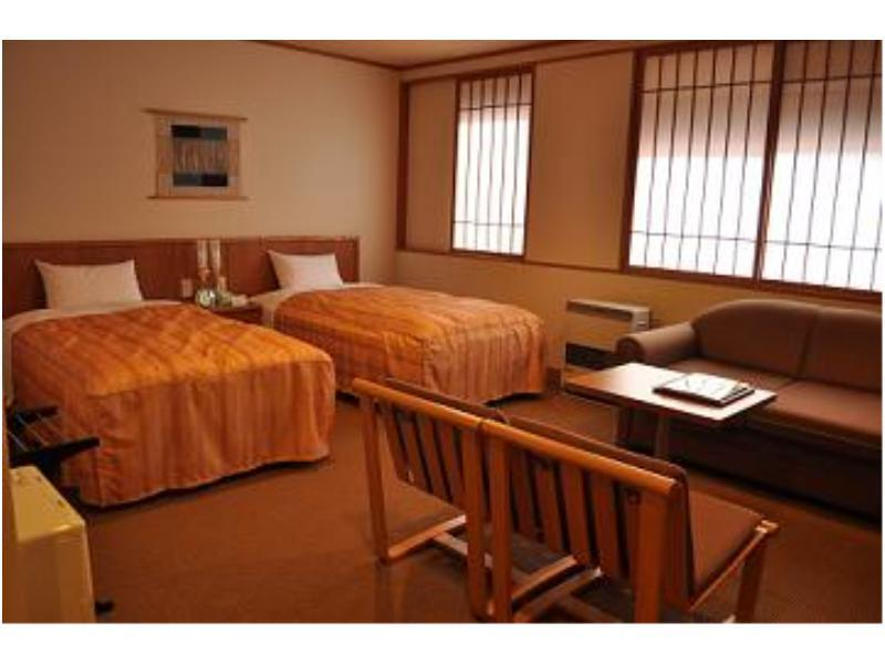 ツイン (Twin Room (Main Building) *Has shower)