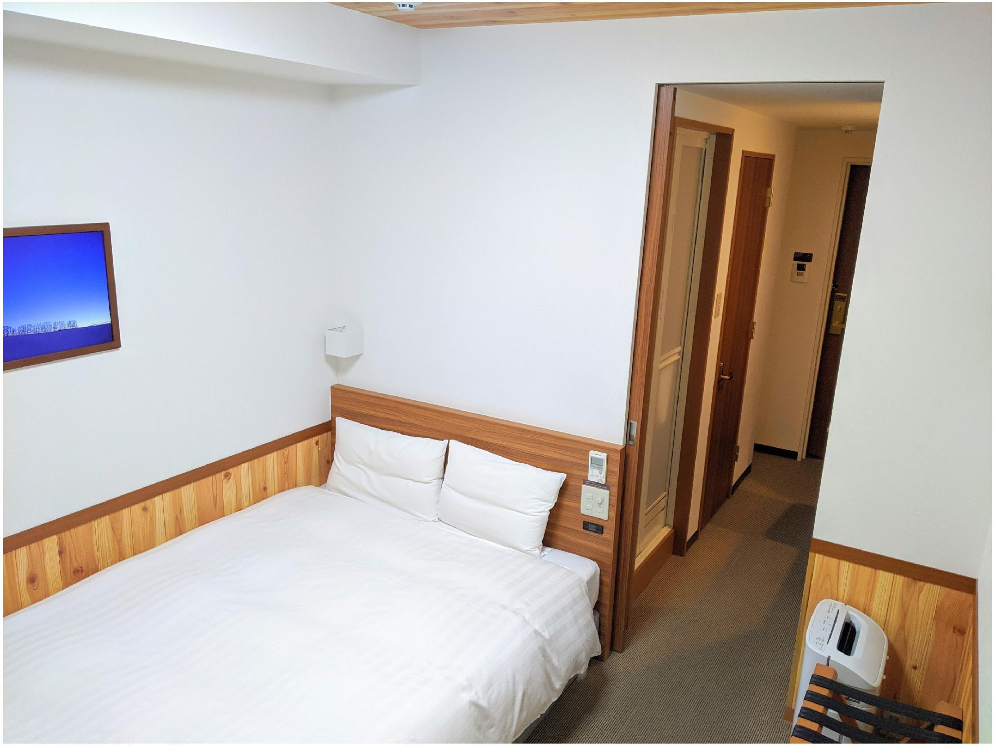 더블룸(샤워부스만) (Double Room*Has shower, no bath in room)