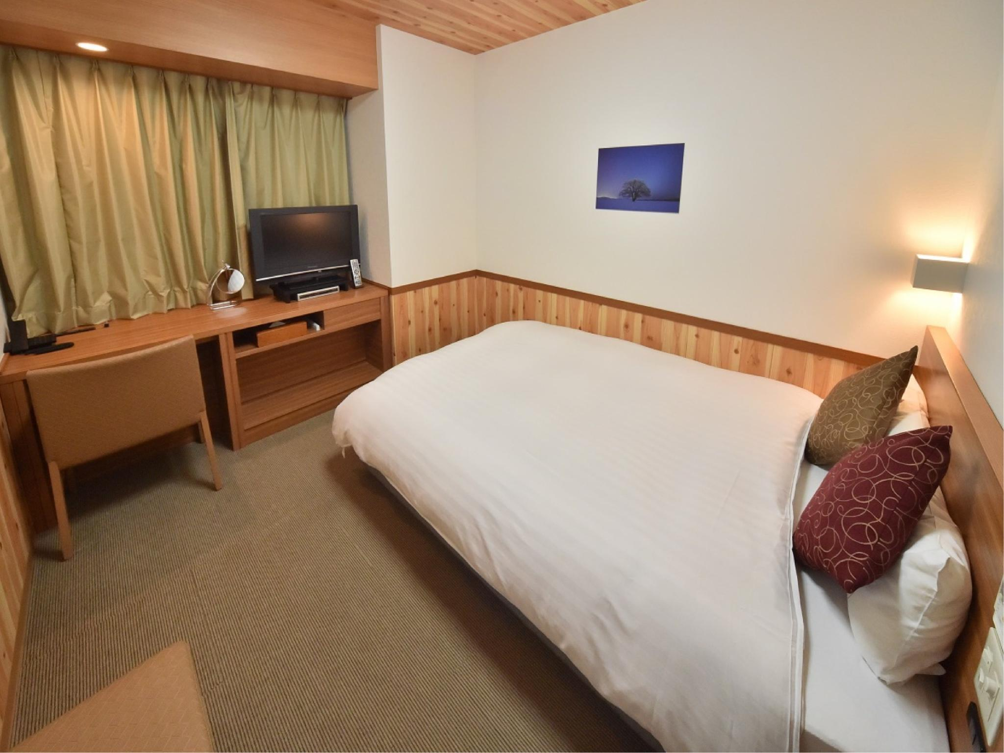 雙人大床房(淋浴) (Double Room*Has shower, no bath in room)