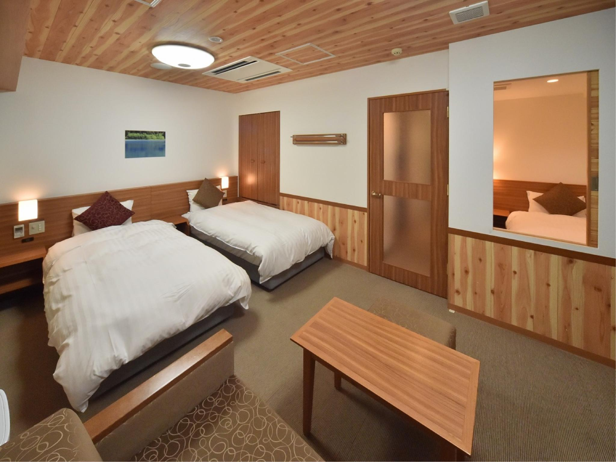 디럭스 트윈룸(샤워부스만) (Deluxe Twin Room*Has shower, no bath in room)