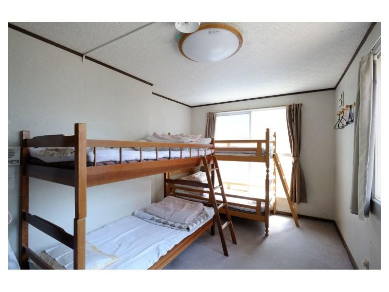 與他人同房【男性】 ※無浴室廁所 (Men's Dormitory-style Room *No bath or toilet in room)
