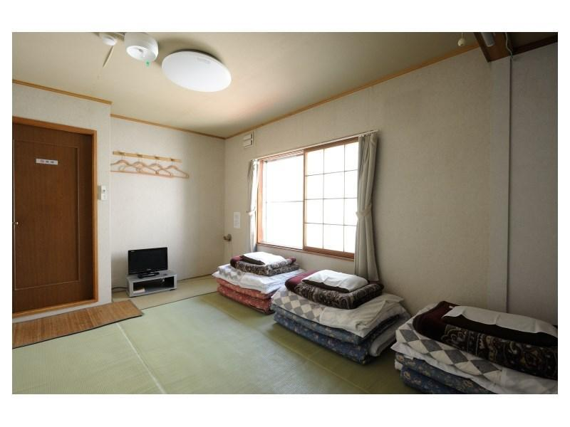 與他人同房【女性】 ※無浴室廁所 (Ladies' Dormitory-style Room *No bath or toilet in room)